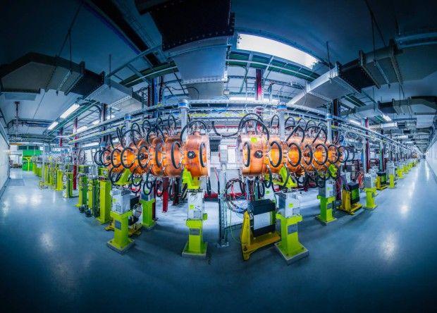 Туннель Linac 4 и фрагмент установки — радиочастотные резонаторы церн