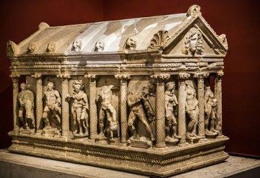 Саркофаг Геракла древняя греция