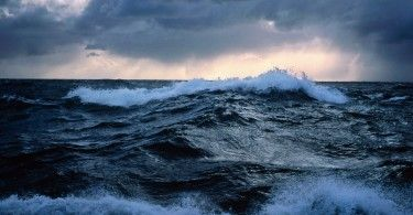 Rough seas off New Zealand