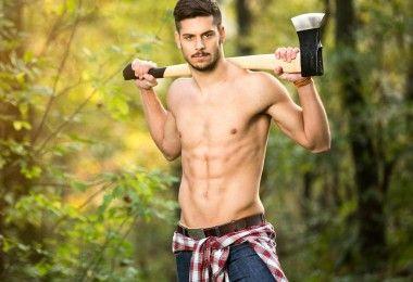 сексуальный мужчина лесоруб