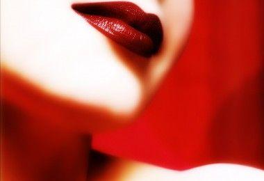 женщина  губы лицо