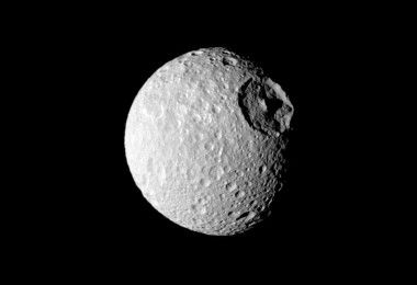 Мимас спутник Сатурна звезда смерти